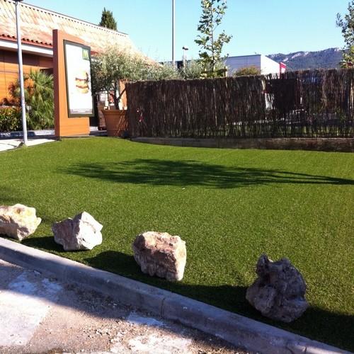Paysagiste entretien parc jardin espace verts var toulon 83 for Espace vert toulon